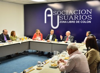 """Empresarios de Zona Libre cooperarían con proyecto """"Aprender Haciendo"""""""