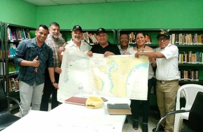 Oficiales de Marina entregan estudios de factibilidad para la posible construcción de un muelle multimodal en Barú