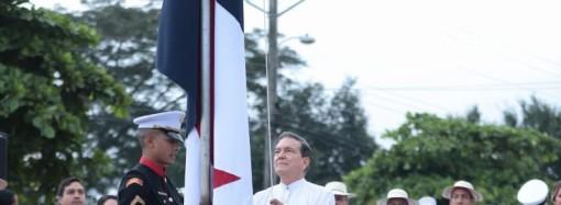 Presidente Cortizo Cohen realizó la izada del Pabellón Nacional en los actos de celebración del grito de Independencia de La Villa de Los Santos