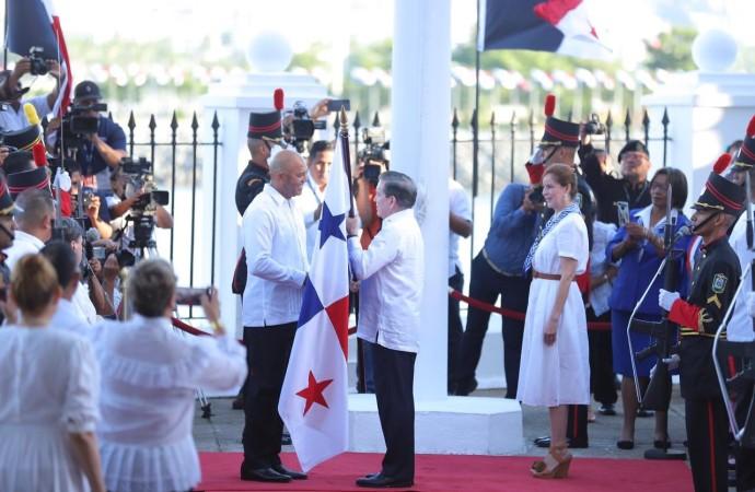 Presidente Cortizo Cohen: «El himno nacional, la bandera panameña y el escudo simbolizan nuestros ideales y nos representan como panameños ante el mundo»
