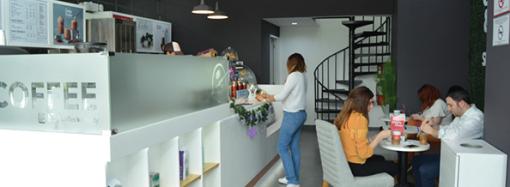 The Coffee Bean & Tea Leaf® refuerza su estrategia de expansión abriendo sus puertas en el Hospital Punta Pacífica