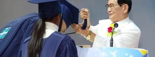Latinoamericanos participan en graduación de mas de cien mil personas en Corea del Sur