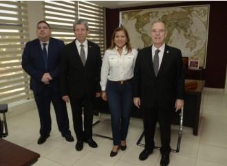 Miviot y Alcaldía de Panamá acuerdan descentralizar servicios