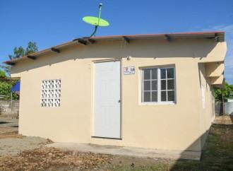 Miviot reitera impulsar proyecto de construcción de viviendas en Bocas del Toro