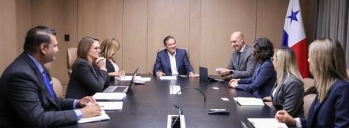 Mejoras para la salud en áreas de difícil acceso acuerdan con multinacional Roche Diagnostics que establece su sede regional en Panamá