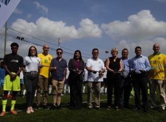 Copa Airlines y la Fundación Ayudando a Vivir inauguran cancha deportiva en la comunidad de Cabuyita