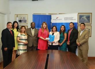 Ministra de Educación entrega Memoria Institucional 2019 a la ANTAI