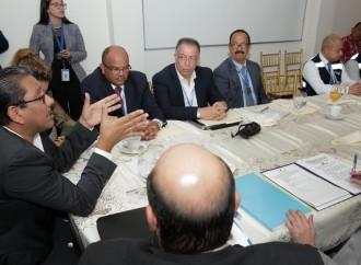 Ejecutivo instala diálogo con dirigencia del transporte selectivo