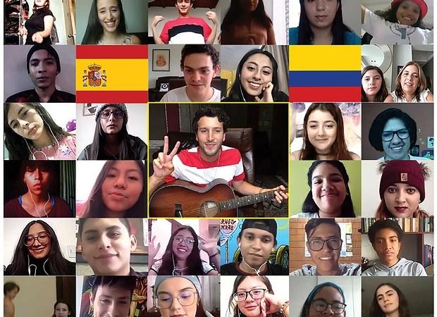Sebastián Yatra comparte junto a jóvenes panameños en el Ciberencuentro Internacional de Scholas
