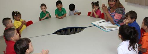 IPHE capacita a familiares de niños de 0 a 5 años de edad diversas actividades a desarrollar en el hogar