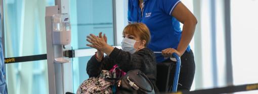 Panameños varados en México y Cuba llegan a Panamá