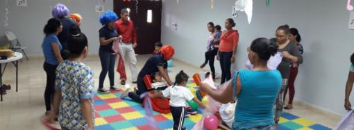 Docentes se instruyen sobre el desarrollo del comportamiento visual desde el nacimiento hasta la vida adulta