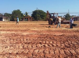 Autoridades inspeccionan terrenos en La Chorrera para futuras soluciones de vivienda