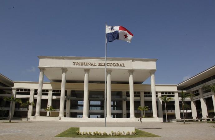 Tribunal Electoral capacita miembros de mesa para elecciones del Partido Panameñista