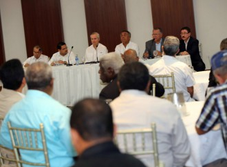 Gobierno y Transporte acuerdan suspender paro y pactan reunión próximo martes