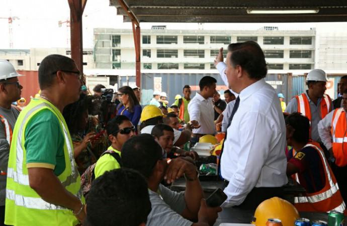 Presidente Varela inspecciona trabajos en Ciudad de la Salud