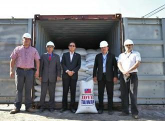 Paraguay recibió donación de 300 toneladas de arroz de China Taiwán para damnificados