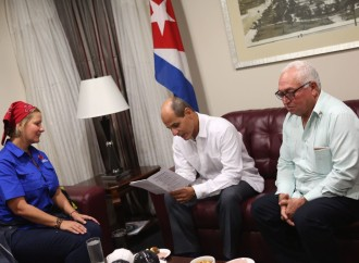 Primera Dama coordina entrega de ayuda humanitaria a Cubapara afectados por el Huracán Irma