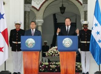 Presidentes Varela y Hernández comparten experiencias en temas agropecuarios, turismo y vivienda