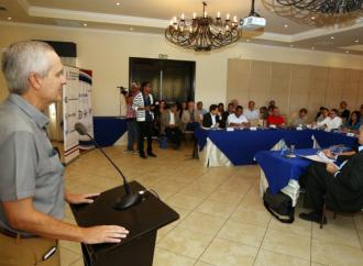 Gobierno y empresarios firman convenio para desarrollar proyectos y programas de manera conjunta