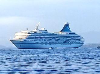 900 pasajeros arriban a Isla Colón en el Crucero MS Artania