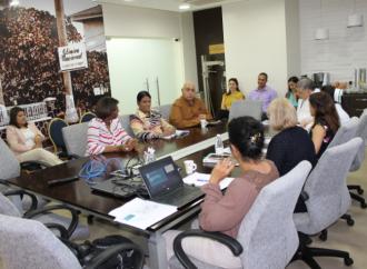 """MITRADEL, PNUD y empresarios sostienen reunión de inducción para la certificación del """"Sello de Género en Empresas"""""""