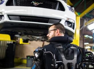 Ford utiliza Exoesqueletos para reducir la fatiga y lesiones en los trabajadores