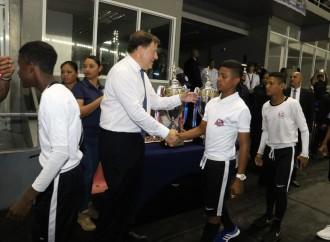 Varela: Copa Presidente debe trascender gobiernos porque ha sido un éxito de integración deportiva escolar