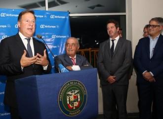 Presidente Varela: Panamá se consolida como 'hub' aéreo de América con vuelo inaugural de Air Europa