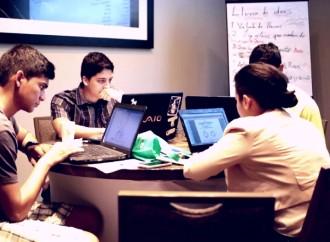"""""""Iniciativa por los Jóvenes – Comprometidos"""", programa diseñado para apoyar a jóvenes emprendedores en Latinoamérica"""