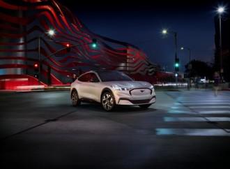 Ford Mustang expande su familia: El Ford Mustang Mach-E totalmente eléctrico ofrece potencia, estilo y libertad para una nueva generación