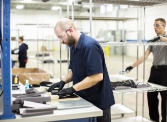 Ford trabaja con 3M, GE, UAW para acelerar la producción de respiradores para trabajadores de la Salud, ventiladores para pacientes con Coronavirus