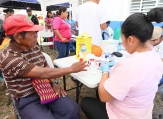 Mujeres, adultos mayores, niños y niñas se beneficiaron de una jornada de salud en la Comarca Ngäbe-Buglé