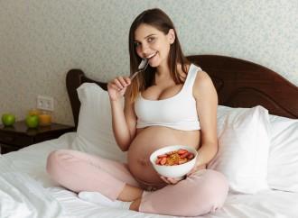 Embarazadas necesitan fortalecerse con alimentos de reserva en tiempos susceptibles a enfermedades respiratorias