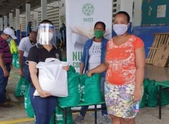 MetroBank entrega aporte a 120 familias de San Miguelito y a 100 adultos mayores de Río Abajo
