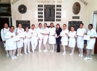 ANEP recibe apoyo de la Universidad de Panamá para que enfermeras recién graduadas puedan apoyar en la lucha contra el Covid-19
