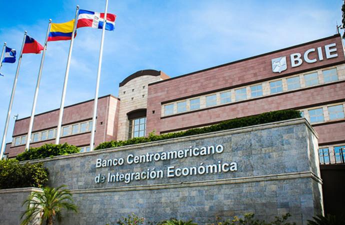 BCIE regresa al mercado suizo después de un año y realiza su primera transacción como institución AA