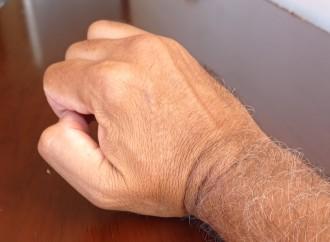 Movimientos repetitivos de muñeca durante el trabajo pueden causar síndrome del túnel carpiano