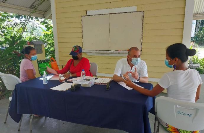 MiCultura acredita a 80 artesanas de comunidades Emberá Wounaan