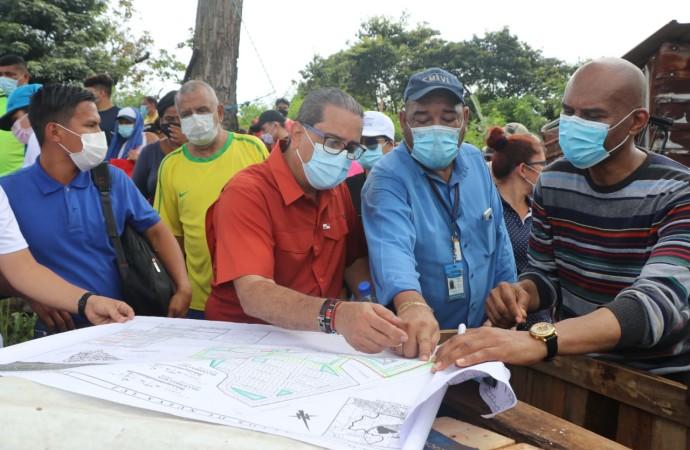 Autoridades desmantelan invasión en Burunga cercana a Cuenca del Canal
