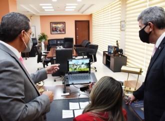 Ministro Paredes presenta plan Progreso al presidente y ministros de Estado