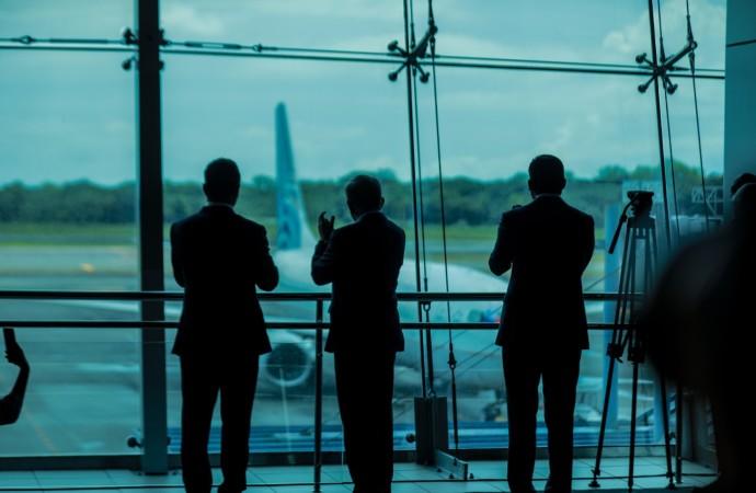 Panamá abre fronteras aéreas a vuelos comerciales e internacionales