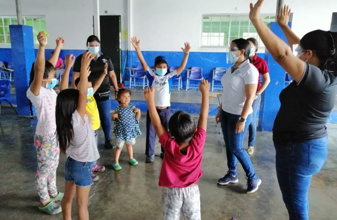 Más de 50 docentes y colaboradores de los equipos GIRD y SAE de Meduca atienden a menores en áreas afectadas