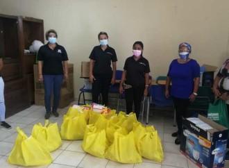 Estudiantes de provincias centrales reciben donaciones por parte del IPHE