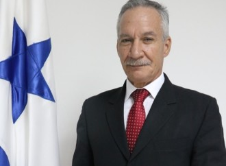 Abogado Edgardo Reyes asume interinamente cargo de Director del Instituto Panameño Autónomo Cooperativo