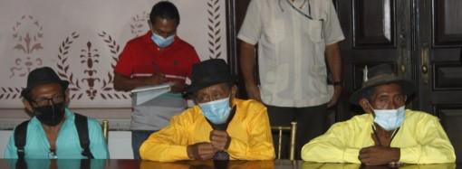 Autoridades gubernamentales sostienen reunión con los representantes de la Comarca Wargandí