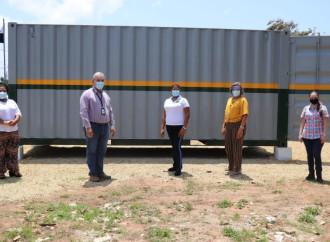 Comité de Obras hace entrega de un contenedor para depósito en el IPHE de Chepo