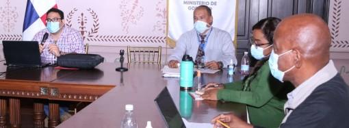 Capacitan a personal del Ministerio de Gobierno en auditoría basada en riesgos