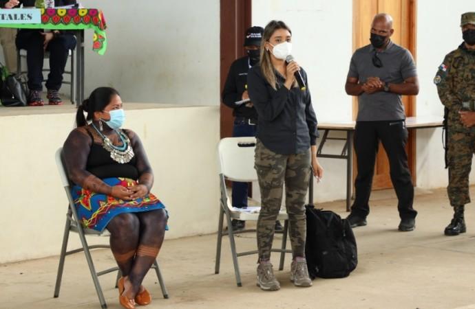 Miviot expone plan de vivienda para residentes de comarca Emberá Wounaan