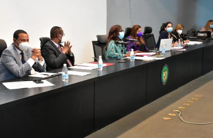 Ley integral de protección al niño, niña y adolescentes será discutida en primer debate